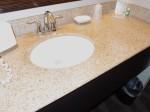 ホリデイインニューアークエアポート(アメリカニューアーク)の部屋のバスルーム洗面台