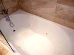 オーシャンブルー&サンド(ドミニカ共和国プンタカーナ)の部屋のバスルームバスタブ