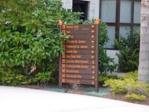 シークレッツ・セント・ジェームズ・モンテゴベイ(ジャマイカ・モンテゴベイ) Secrets St. James Montego Bay(Montego Bay, Jamaica)のホテル内案内板