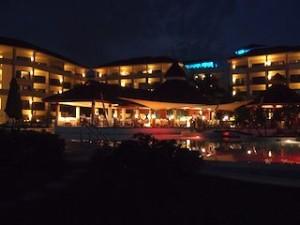シークレッツ・セント・ジェームズ・モンテゴベイ(ジャマイカ・モンテゴベイ) Secrets St. James Montego Bay(Montego Bay, Jamaica)のホテル夜景