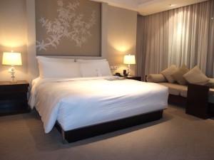 ルメリディアン・チェンマイ(タイ・チェンマイ)の部屋のベッドルーム