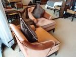 ザ・フラトンベイホテル(シンガポール)の部屋のリビングスペースソファ