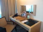 マリーナベイサンズホテル(シンガポール)の部屋のライティングデスク