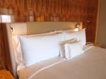 ザ・リッツ・カールトンミレニアシンガポール(シンガポール)部屋のベッド枕部分