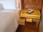 ザ・リッツ・カールトンミレニアシンガポール(シンガポール)部屋のベッドサイドテーブル
