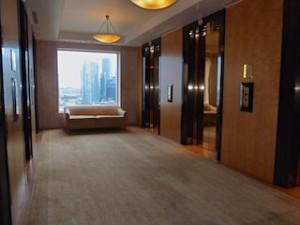 ザ・リッツ・カールトンミレニアシンガポール(シンガポール)のエレベーターホール