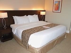ハロルズホテル(フィリピン・セブ島)の部屋のベッドスペース
