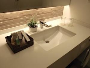 ハロルズホテル(フィリピン・セブ島)の部屋の洗面台