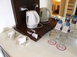 ハロルズホテル(フィリピン・セブ島)の部屋のカップ関連