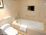 マニラホテル(フィリピン・マニラ)の部屋のバスルームのバスタブ