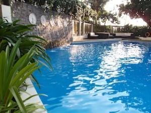 マニラホテル(フィリピン・マニラ)の屋外プール2