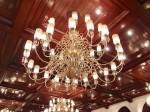 マニラホテル(フィリピン・マニラ)のロビーフロアのシャンデリア
