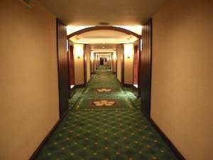 マニラホテル(フィリピン・マニラ)の部屋への通路