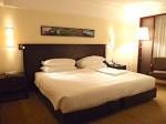 ザ・ペニンシュラマニラ(フィリピン・マニラ)の部屋のベッド
