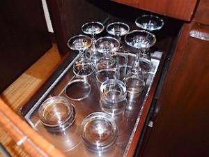 ザ・ペニンシュラマニラ(フィリピン・マニラ)の部屋のグラス類