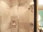 プランテーションベイリゾート&スパ(フィリピン・マクタン島)の部屋のバスルームシャワー室