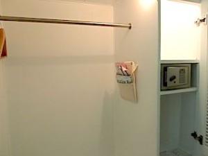 プランテーションベイリゾート&スパ(フィリピン・マクタン島)の部屋のクローゼット