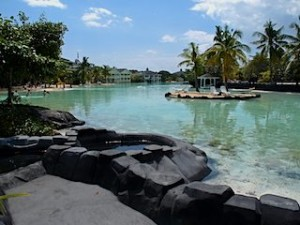 プランテーションベイリゾート&スパ(フィリピン・マクタン島)のホテル内ラグーンプール