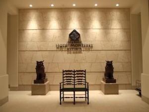 ホテルモントレ沖縄スパ&リゾートの玄関シーサー