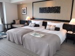 ホテルモントレ沖縄スパ&リゾートのオーシャンバスルームのツインベッド