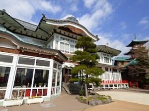 富士屋ホテルの正面からみた外観