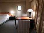ハイアットリージェンシー大阪、部屋のテーブルスペース