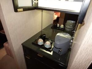 ハイアットリージェンシー大阪、部屋のミニバー部分