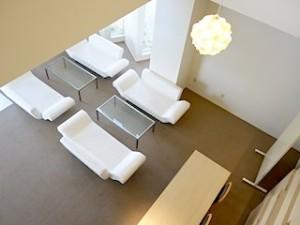 ホテルセトレ神戸・舞子のチャペルへ向かう廊下から階下