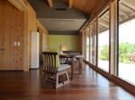 星のや竹富島の部屋ガジョーニのリビングスペース全景