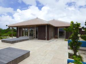 星のや竹富島のゆんたくラウンジの外観