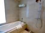 ホテルオリオンモトブリゾート&スパの部屋のバスルーム