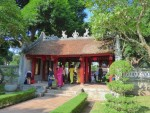 ベトナムハノイの「文廟」内の門(Van Mieu gate at Hanoi Vietnam, Vietnam)
