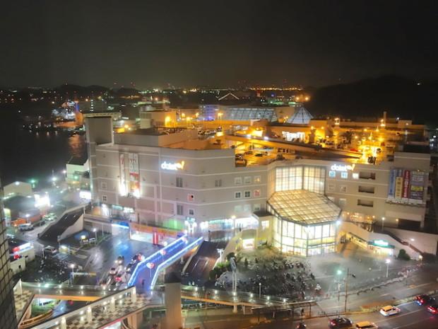 メルキュールホテル横須賀からみた横須賀港の夜景