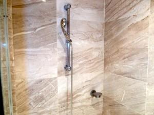 オーシャンブルー&サンド(ドミニカ共和国プンタカーナ)の部屋のバスルームシャワー