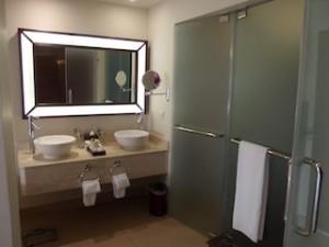 シークレッツ・セント・ジェームズ・モンテゴベイ(ジャマイカ・モンテゴベイ) Secrets St. James Montego Bay(Montego Bay, Jamaica)の部屋のバスルーム