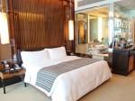 ザ・フラトンベイホテル(シンガポール)の部屋のベッドスペース