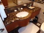 ヒルトンシンガポール(シンガポール)の部屋のバスルーム洗面台下部