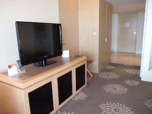 マリーナベイサンズホテル(シンガポール)の部屋のテレビ台