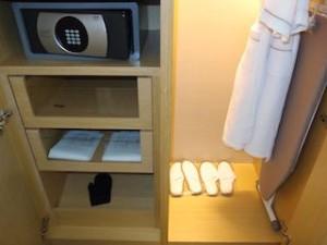 マリーナベイサンズホテル(シンガポール)の部屋のクローゼット全体