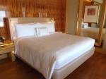 ザ・リッツ・カールトンミレニアシンガポール(シンガポール)部屋のベッド