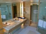 ザ・リッツ・カールトンミレニアシンガポール(シンガポール)部屋のバスルーム