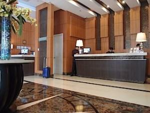 ハロルズホテル(フィリピン・セブ島)のフロント