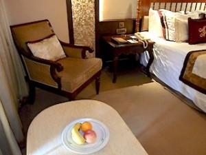 マニラホテル(フィリピン・マニラ)の部屋のリビングスペース