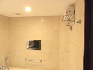 マニラホテル(フィリピン・マニラ)の部屋のバスルーム上部