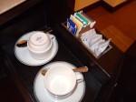 ザ・ペニンシュラマニラ(フィリピン・マニラ)の部屋のカップ類