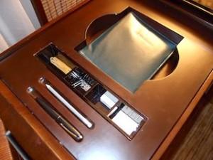 ザ・ペニンシュラマニラ(フィリピン・マニラ)の部屋の筆記用具