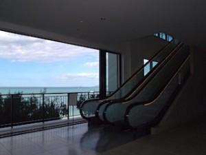 ホテルモントレ沖縄スパ&リゾートの館内からの眺め