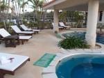 ザ・ビーチタワー沖縄のスパ「ちゅらーゆ」内のヒーリングプールベッド