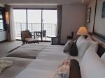 ホテルモントレ沖縄スパ&リゾートのオーシャンバスルームのハリウッドツインベッド