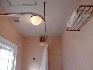 富士屋ホテルの西洋館の92号室のバスルーム上